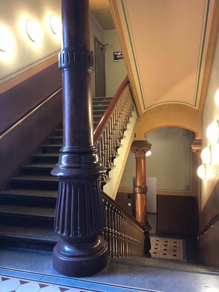 Rikhardinkadun kirjasto portaikko