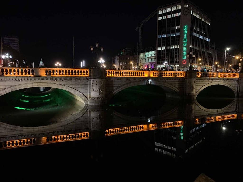 O'Connel Bridge Liffey river Dublin Ireland Irlanti