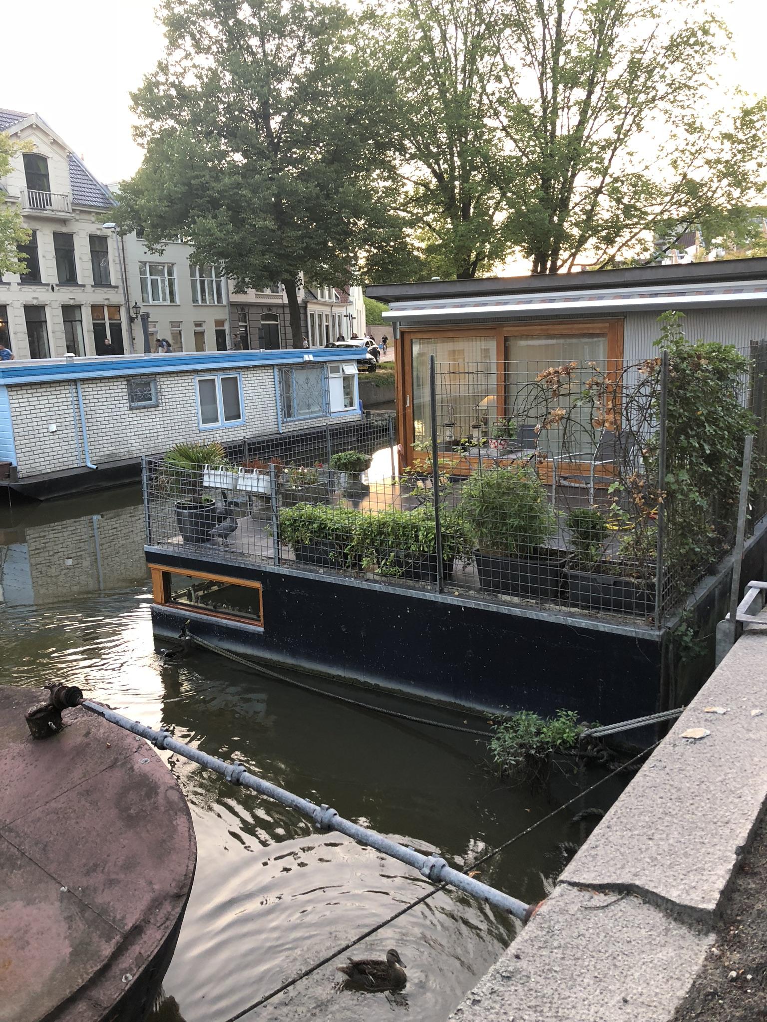 Asuntolaiva Groningenissa