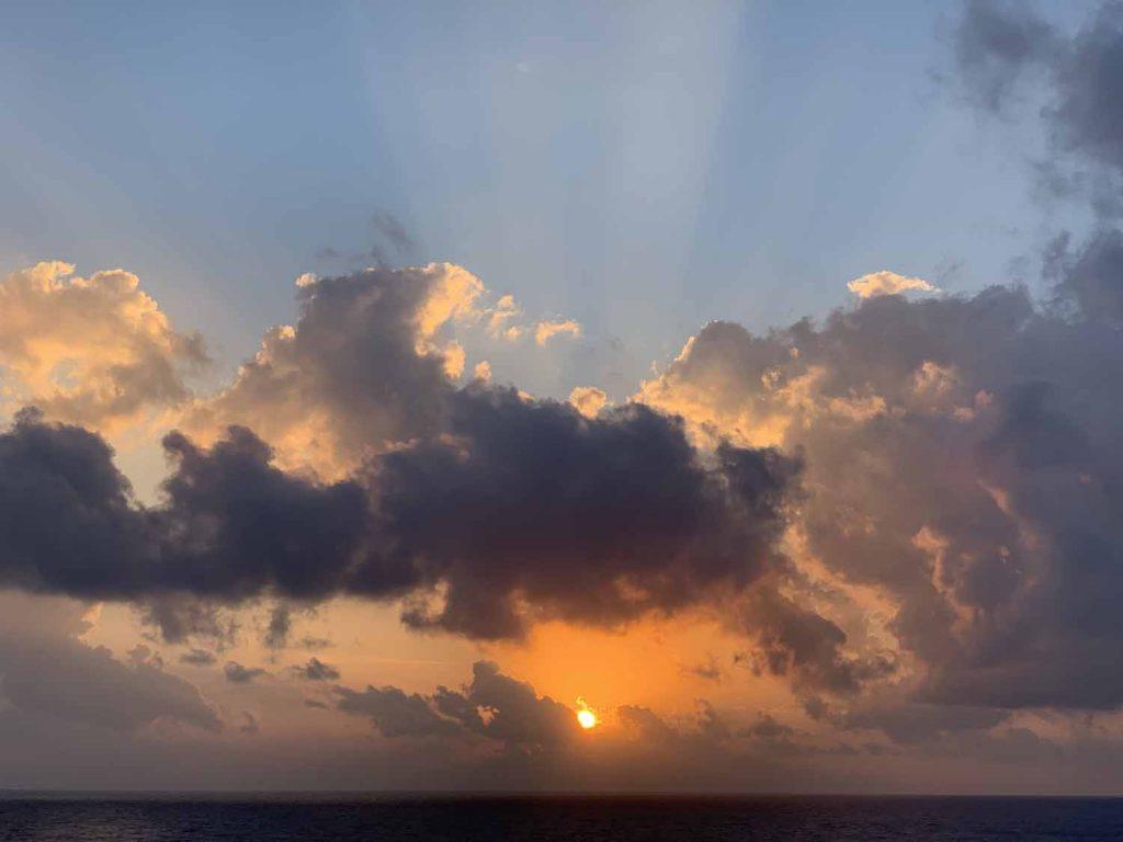 Costa Deliziosa auringonnousu