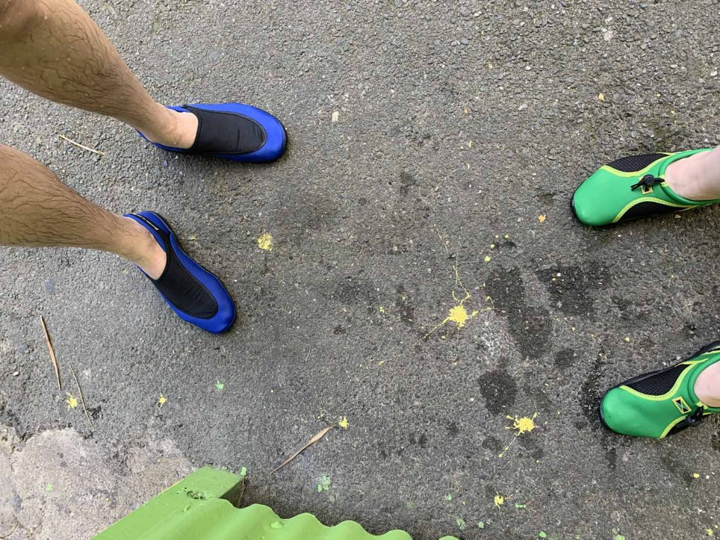 Vesiurheiluun sopivat kengät