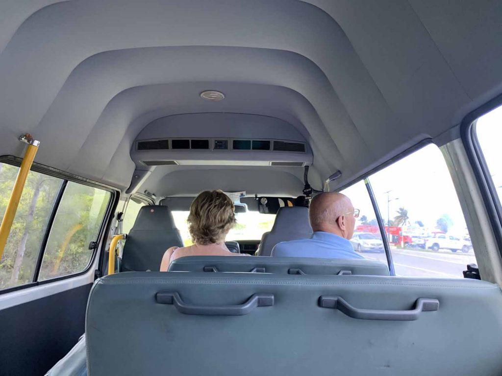 Minibussi Caymansaarilla