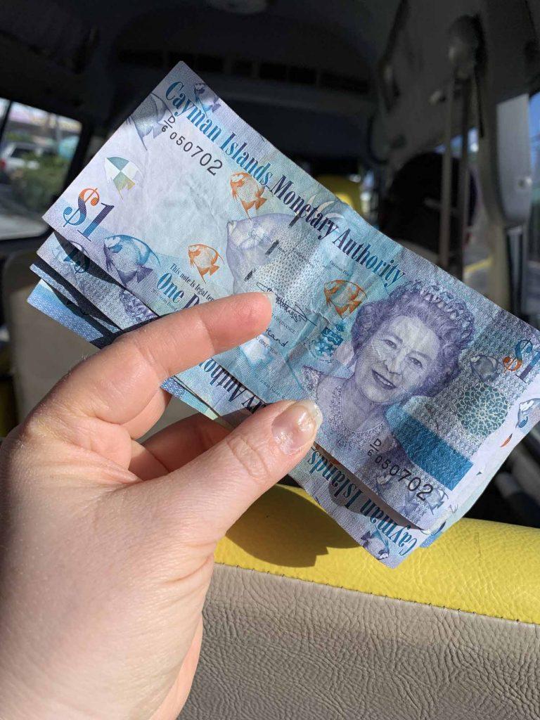 Cayman Island rahaa