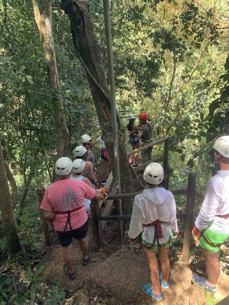 zipline viidakko Belize