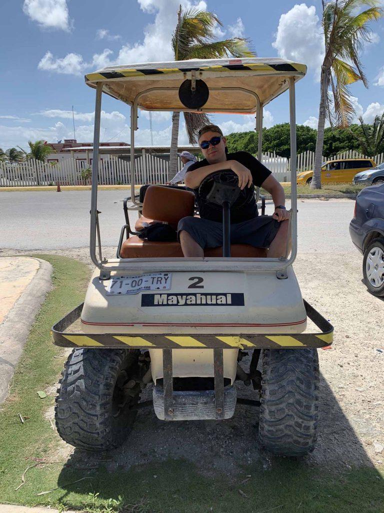 Ilkka ja golf-auto