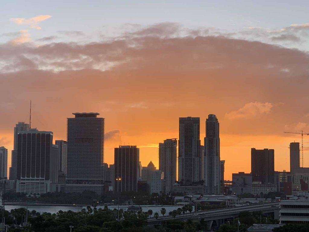 auringonlasku Miami