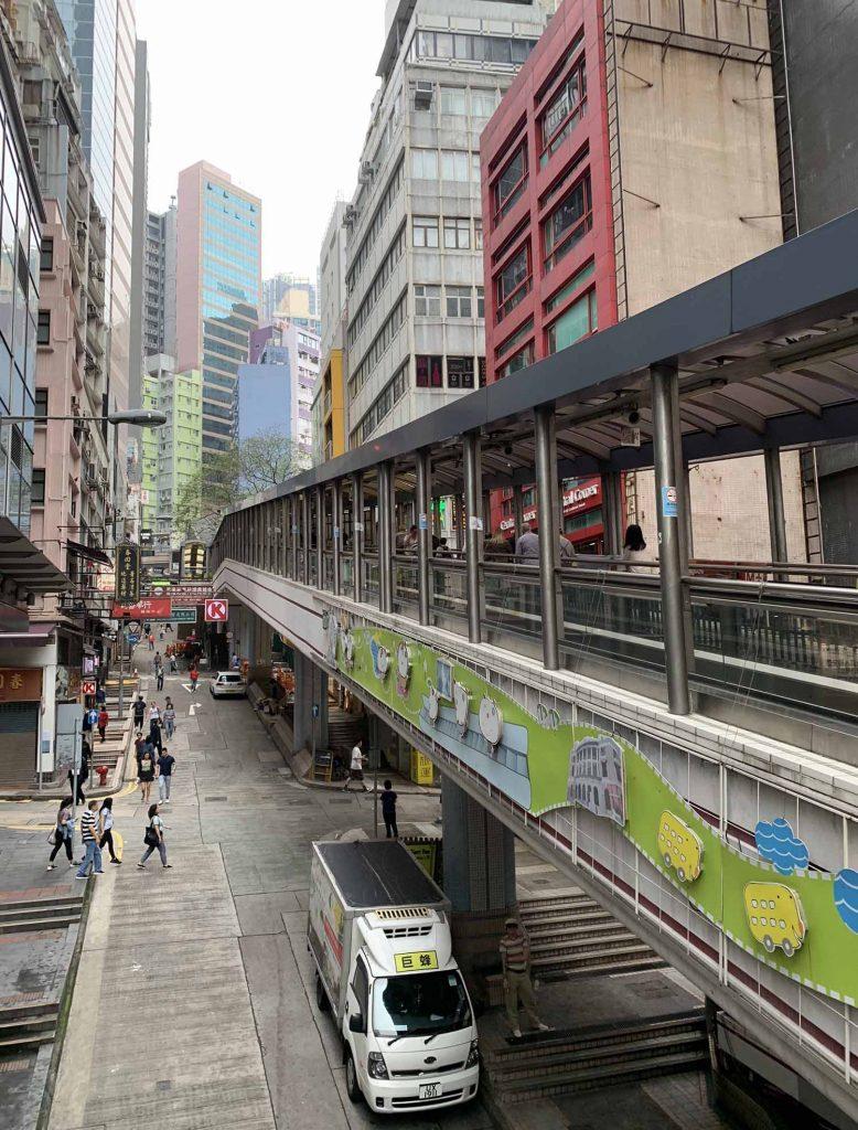 pitkät rullaportaat Hongkongissa