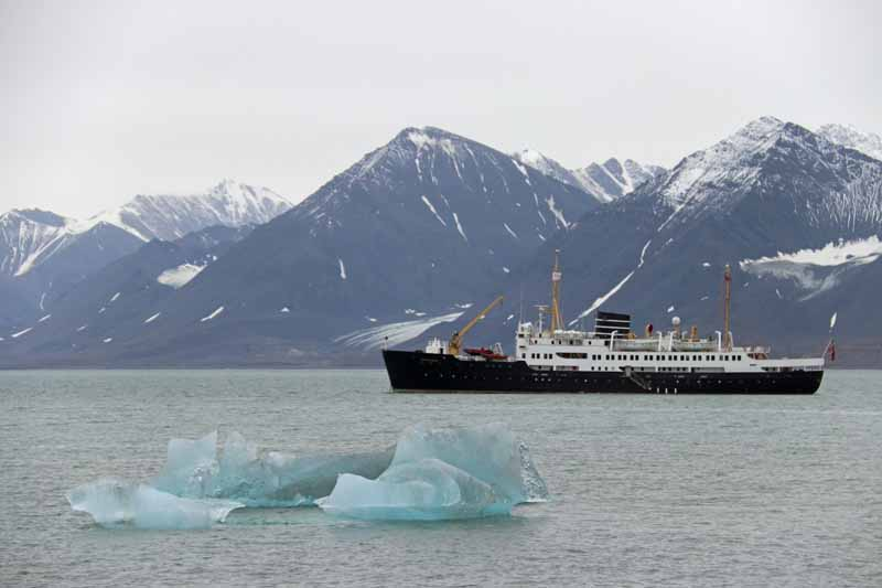 Hurtigruten Huippuvuoret Svalbard