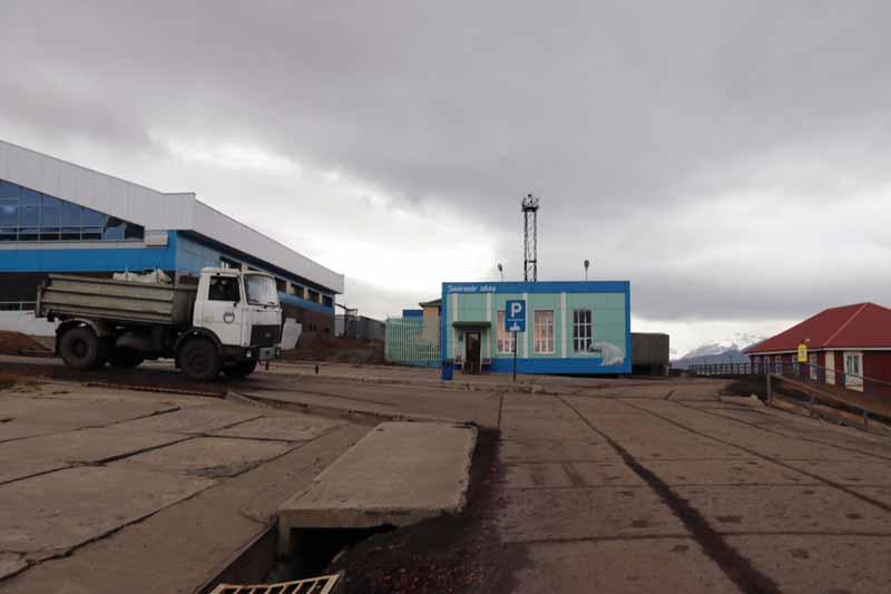 Barentsburg matkamuistomyymälä