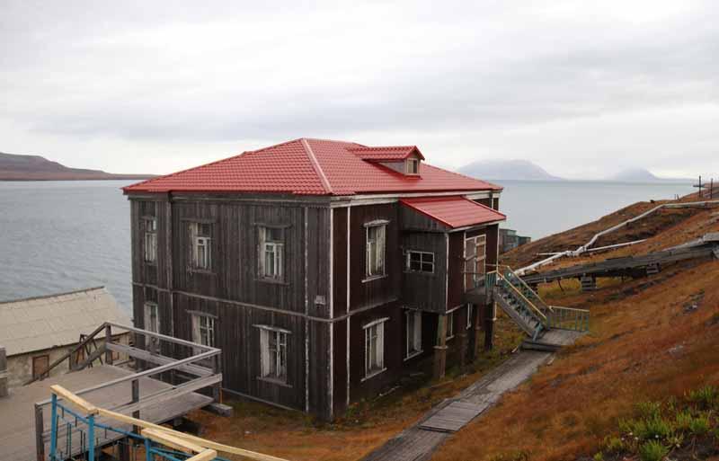 Barentsburg rakennuksia