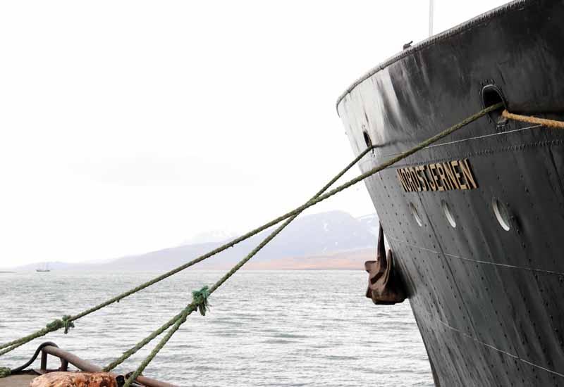 Barentsburg satama Hurtigruten Norsdtjernen