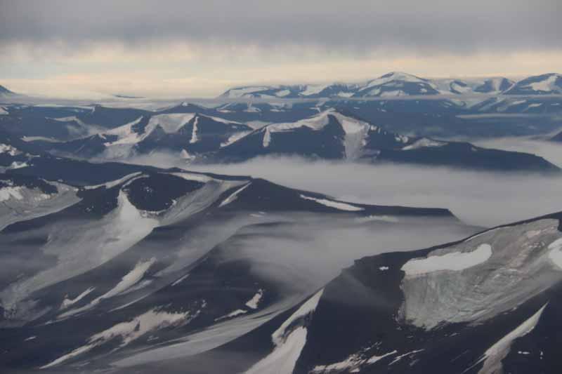 Huippuvuoret, Longyearbyen 2