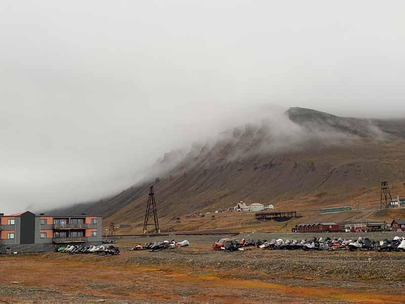 Huippuvuoret, Longyearbyen 3