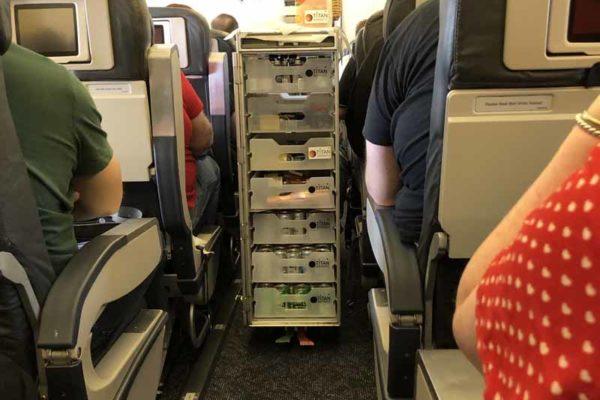 Brewdog Airlines tarjoiluvaunu service trolley