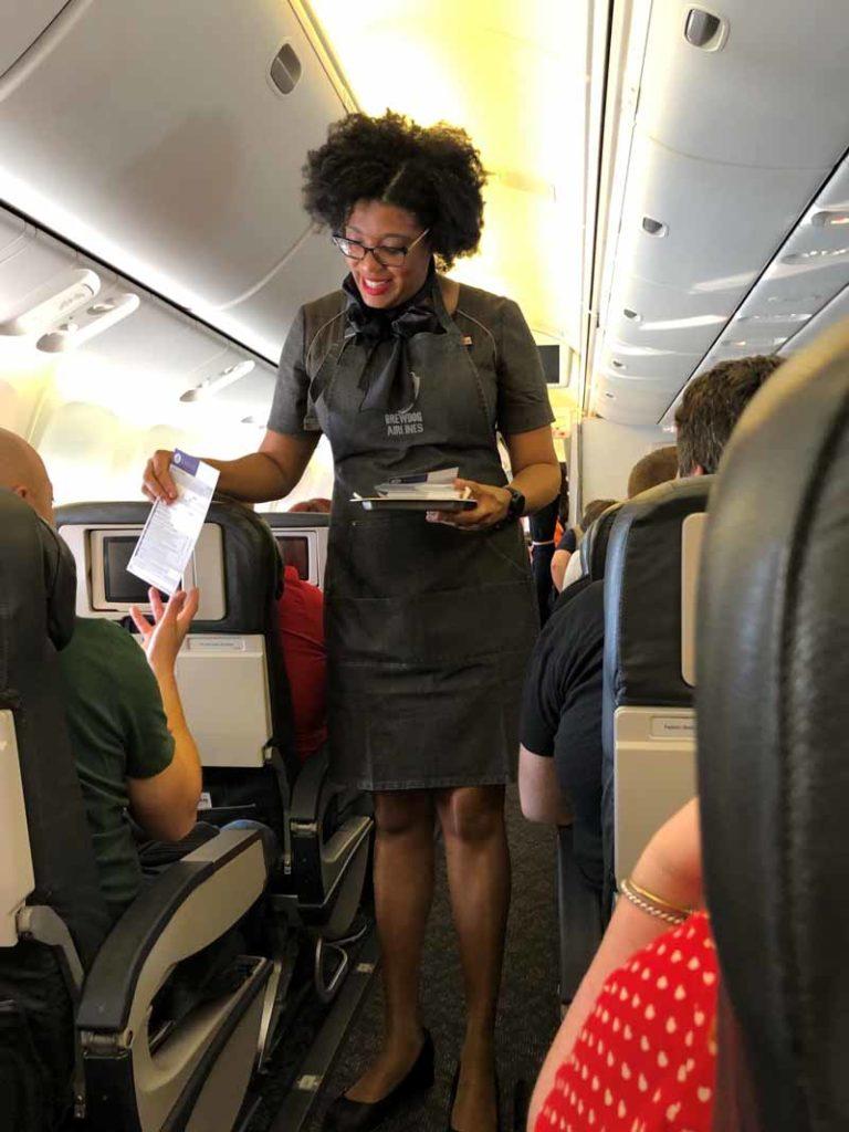 Brewdog Airlines lentoemäntä flight attendant