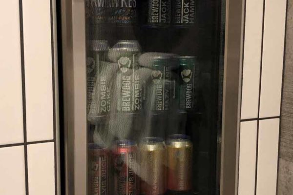 DogHouse shower beer suihkuolut