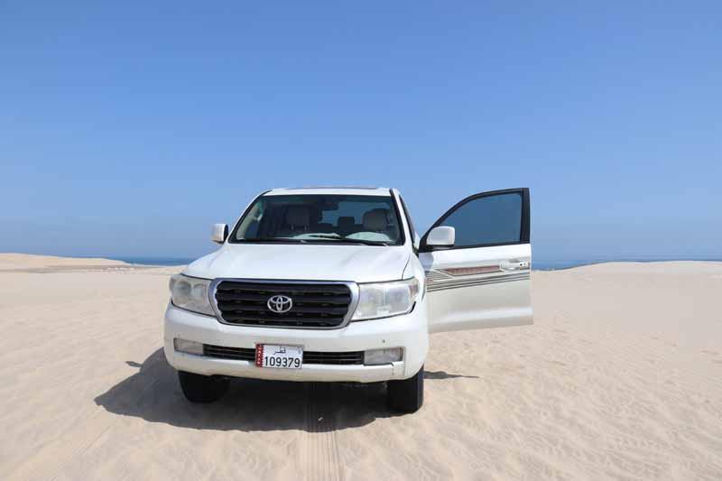 Qatar desert rally sand dune