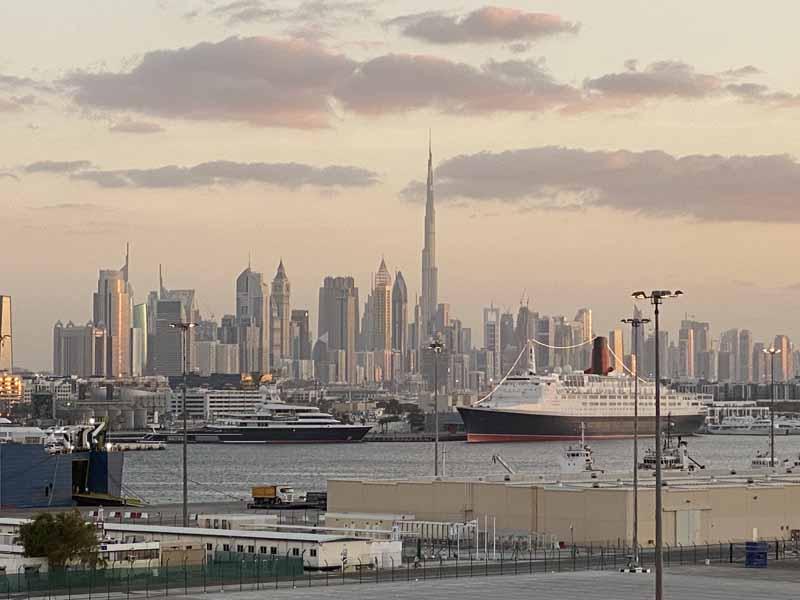 Dubai silhouette skyline Burj Khalifa dusk sunset