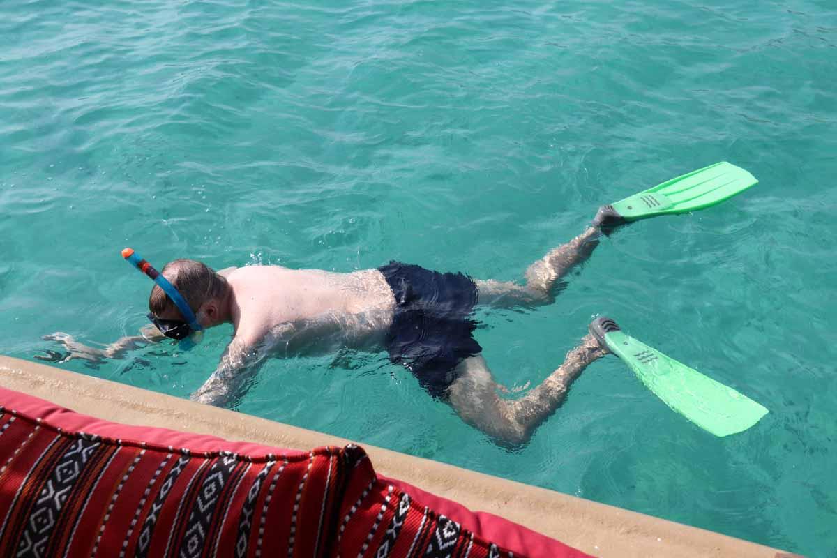 sammakkomies snorkkeli Khasab Bay Oman