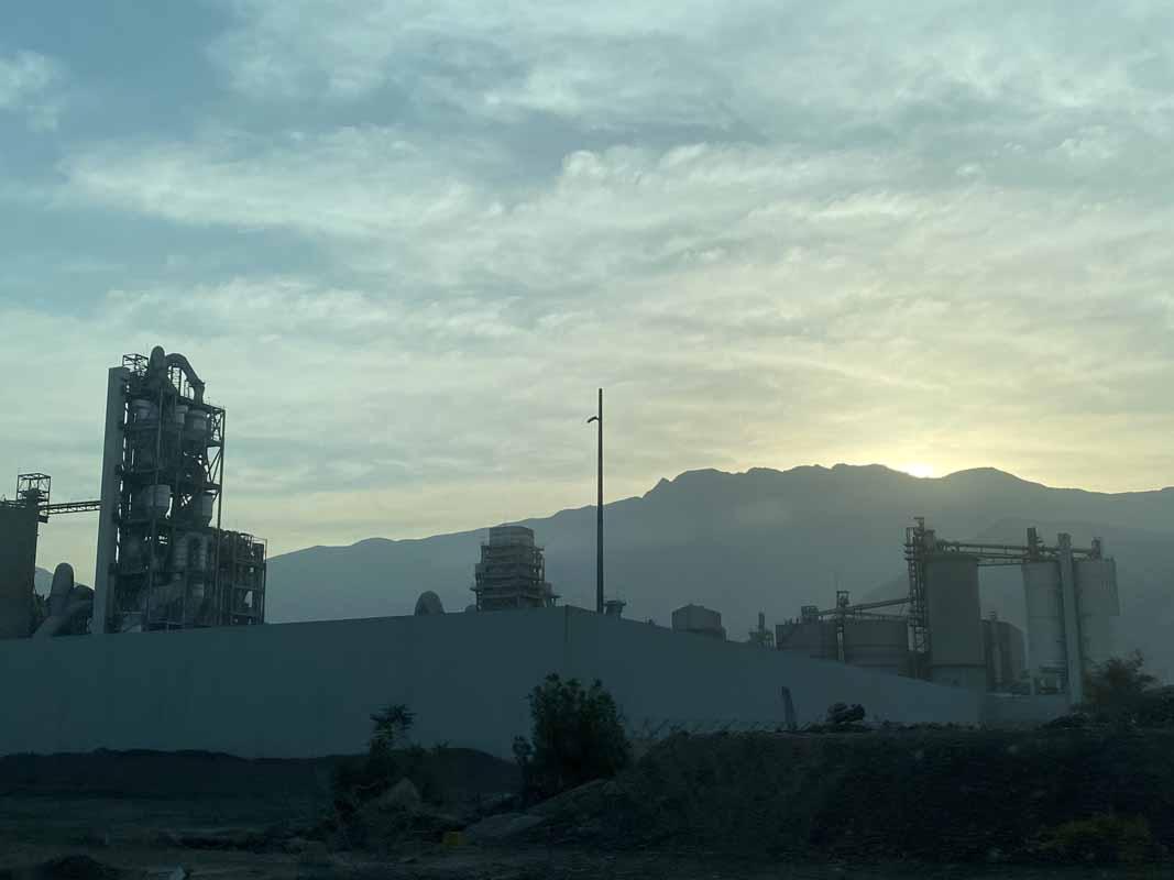 aamun sarastus Oman morning