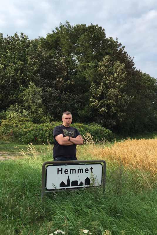 mies Hemmet Tanska Denmark