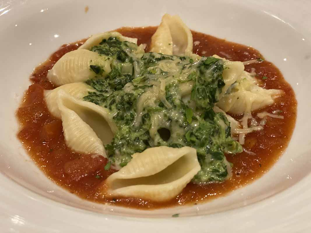 Jewel of the Seas tomaattikastike pasta tomato sauce vegetarian