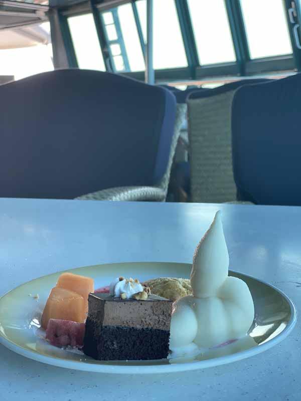 Jewel of the Seas buffet jälkiruoka pehmis suklaakakku dessert soft ice chocolate cake