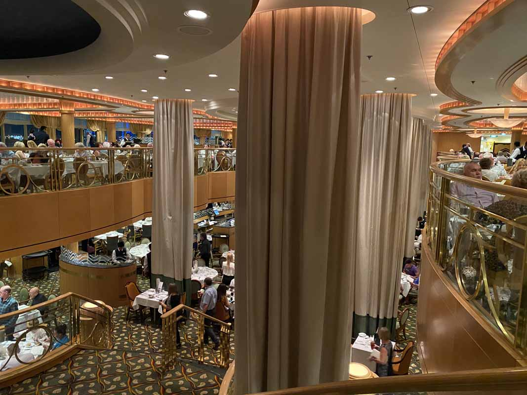 Jewel of the Seas a la carte ravintola restaurant service time