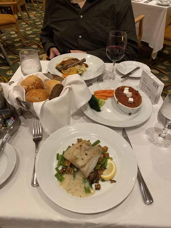 Jewel of the Seas päivällinen a la carte dinner