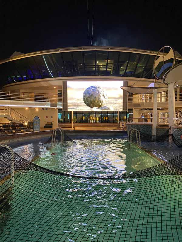 Jewel of the Seas pool elokuva movie