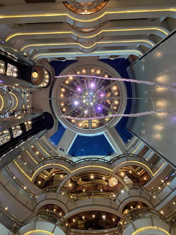 Jewel of the Seas aulan katto lobby roof