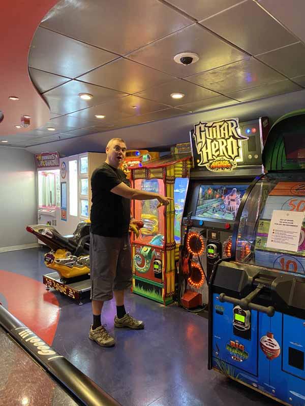 Jewel of the Seas pelisali arcade hall guitar hero IlkkaPlaysPokemon