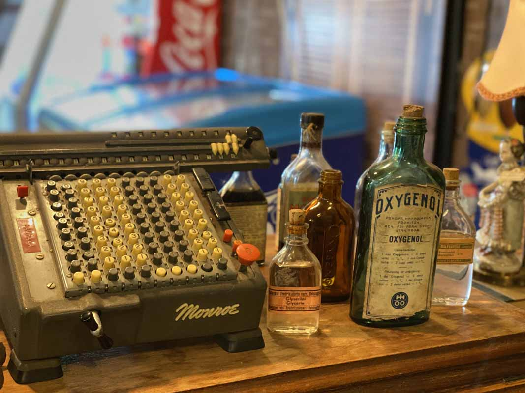 Vintage Rusty Cafe kassakone