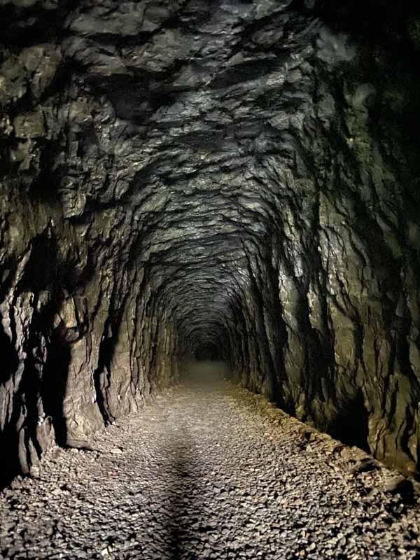 Pönttövuoren rautatietunneli old railway tunnel