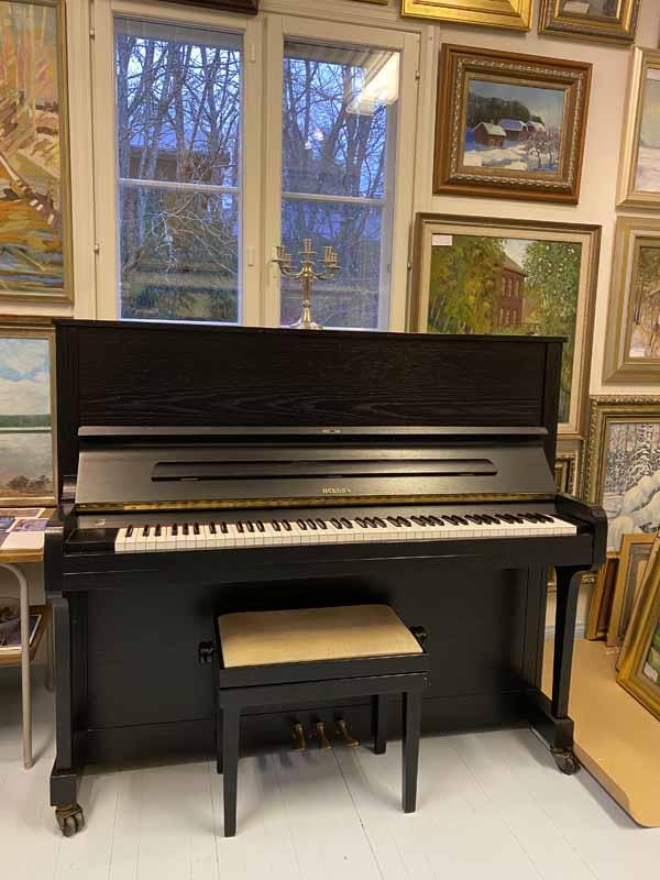 Hellas piano Galleria Ateljee Jokitörmä Porras Tammela