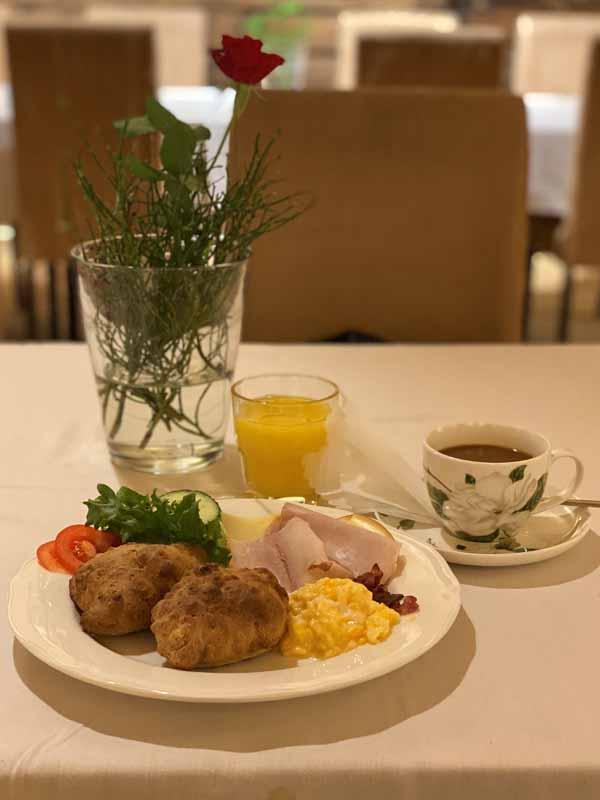 Portaan Nahkurinverstas aamupala aamiainen breakfast
