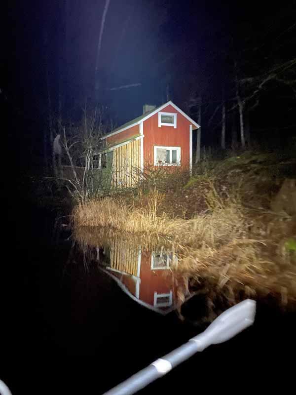 Turpoonjoki mökki heijastus reflection river