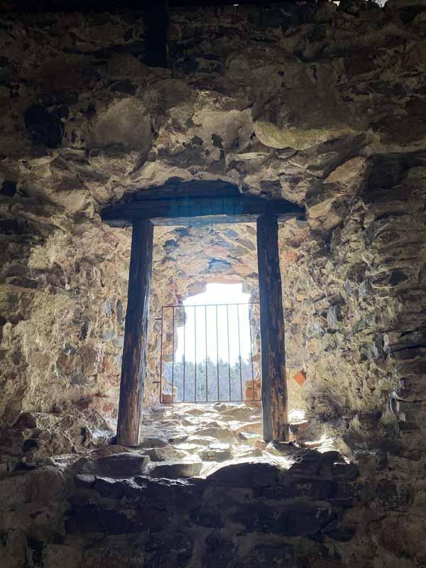 Näkymä Raaseporin linnan ikkuna-aukosta