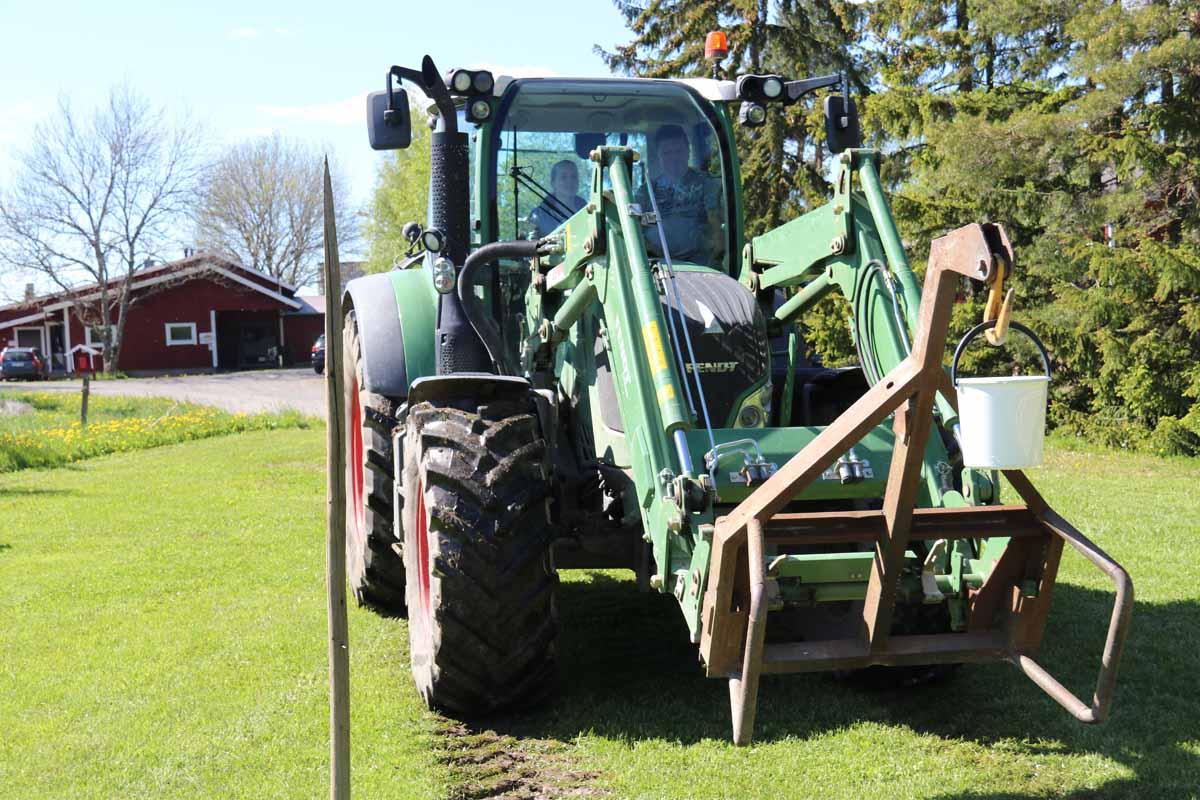 Traktorin hallinta