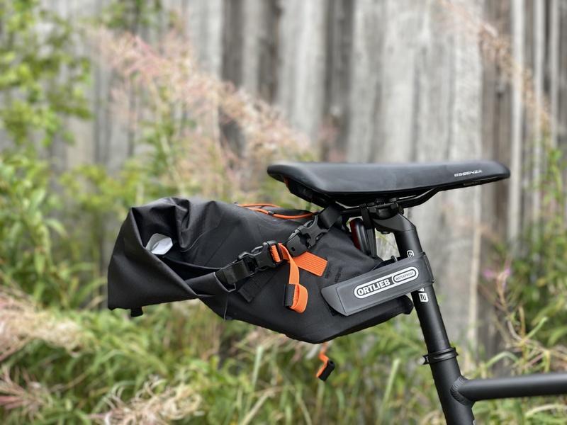 Ortlieb satulalaukku polkupyörään. Bikepacking.