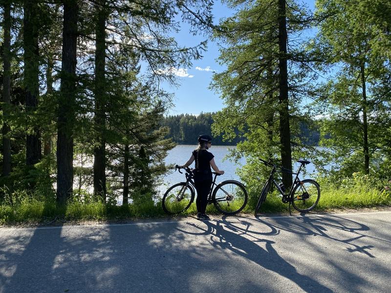 Katri pyöräretkellä Tuusulanjärven Rantatiellä