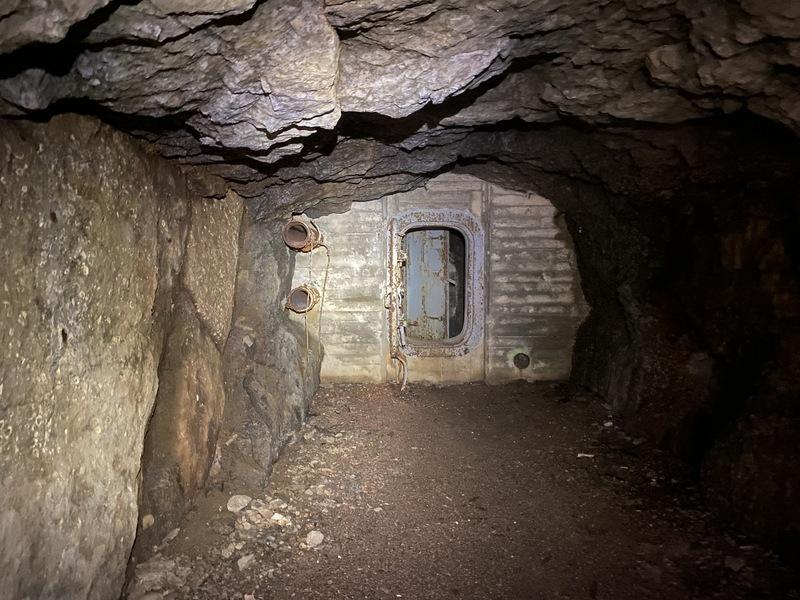 luolan sisäänmenoaukko