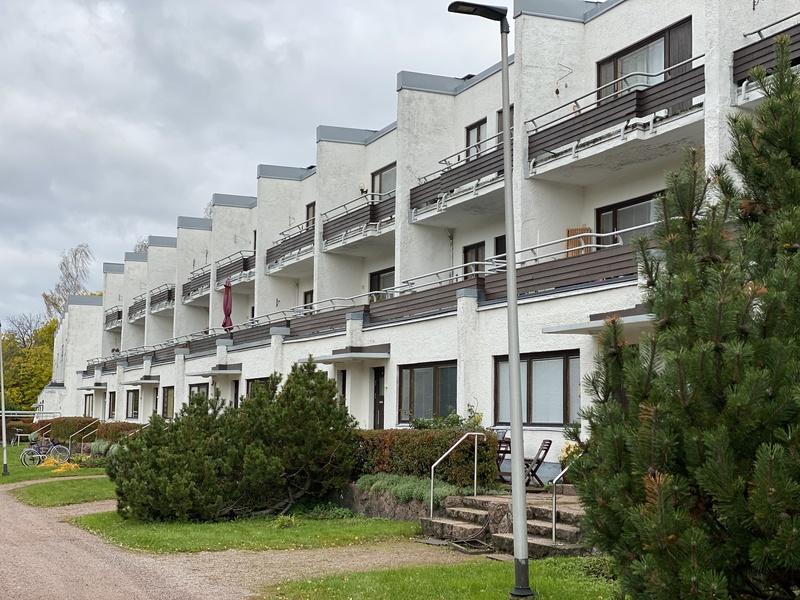 Alvar Aallon suunnittelema terassitalo Sunilassa Kotkassa